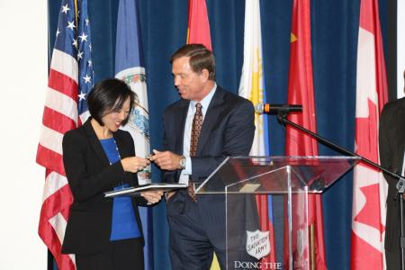 Bryan K. Stephens presents Amy Liu HRCC Challenge Coin