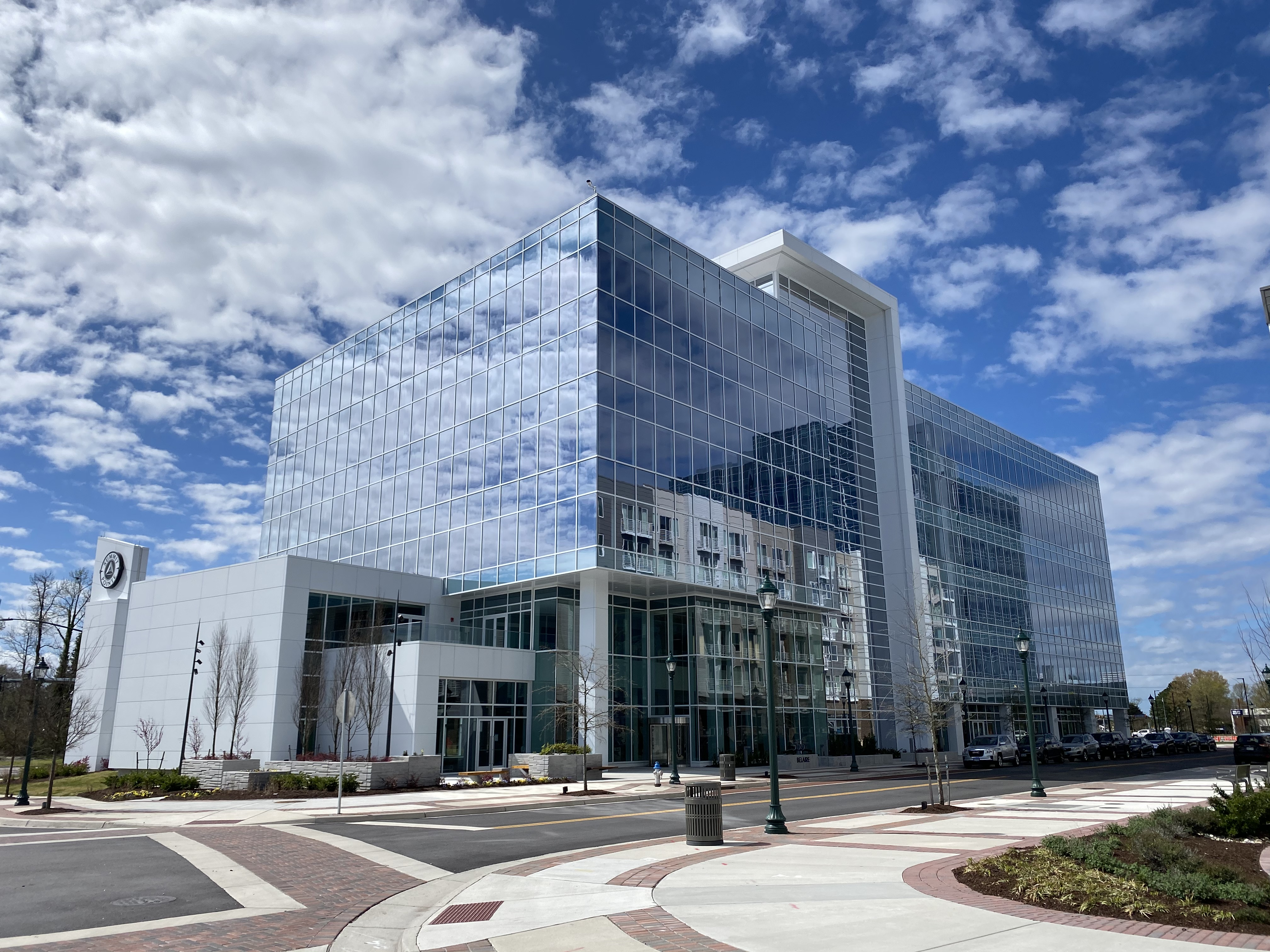 555 Belaire at Summit Pointe Attracts New Office Tenants