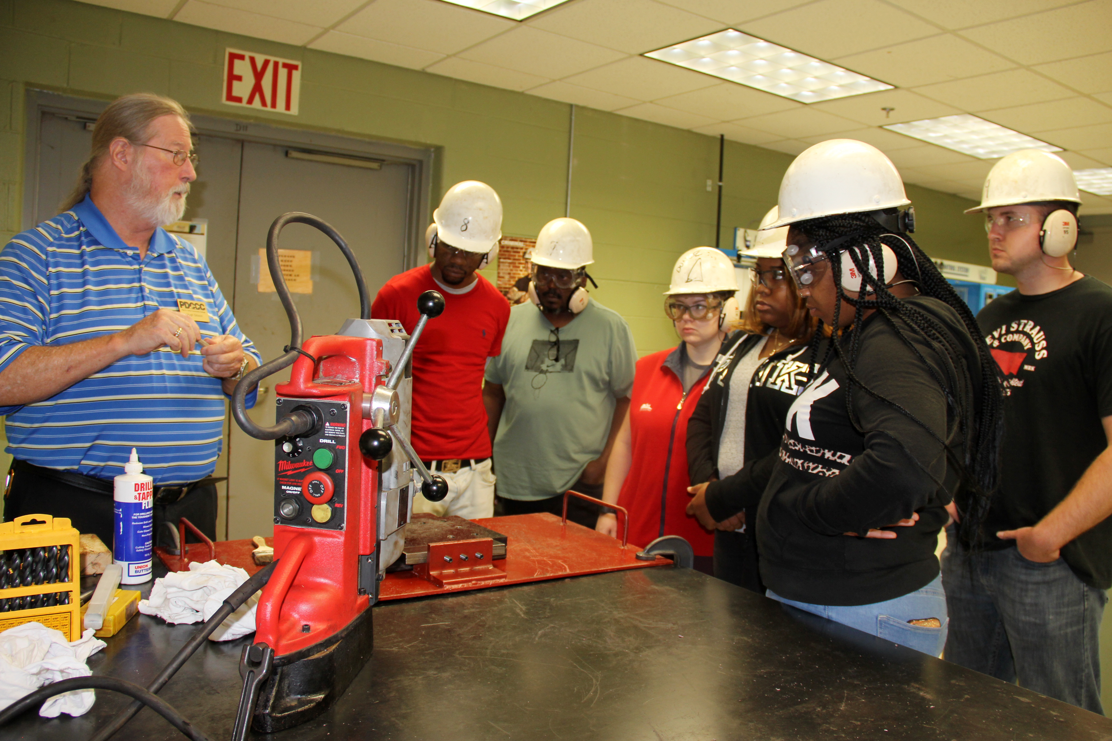 Outside Machinist program provides pre-hire training for shipyard