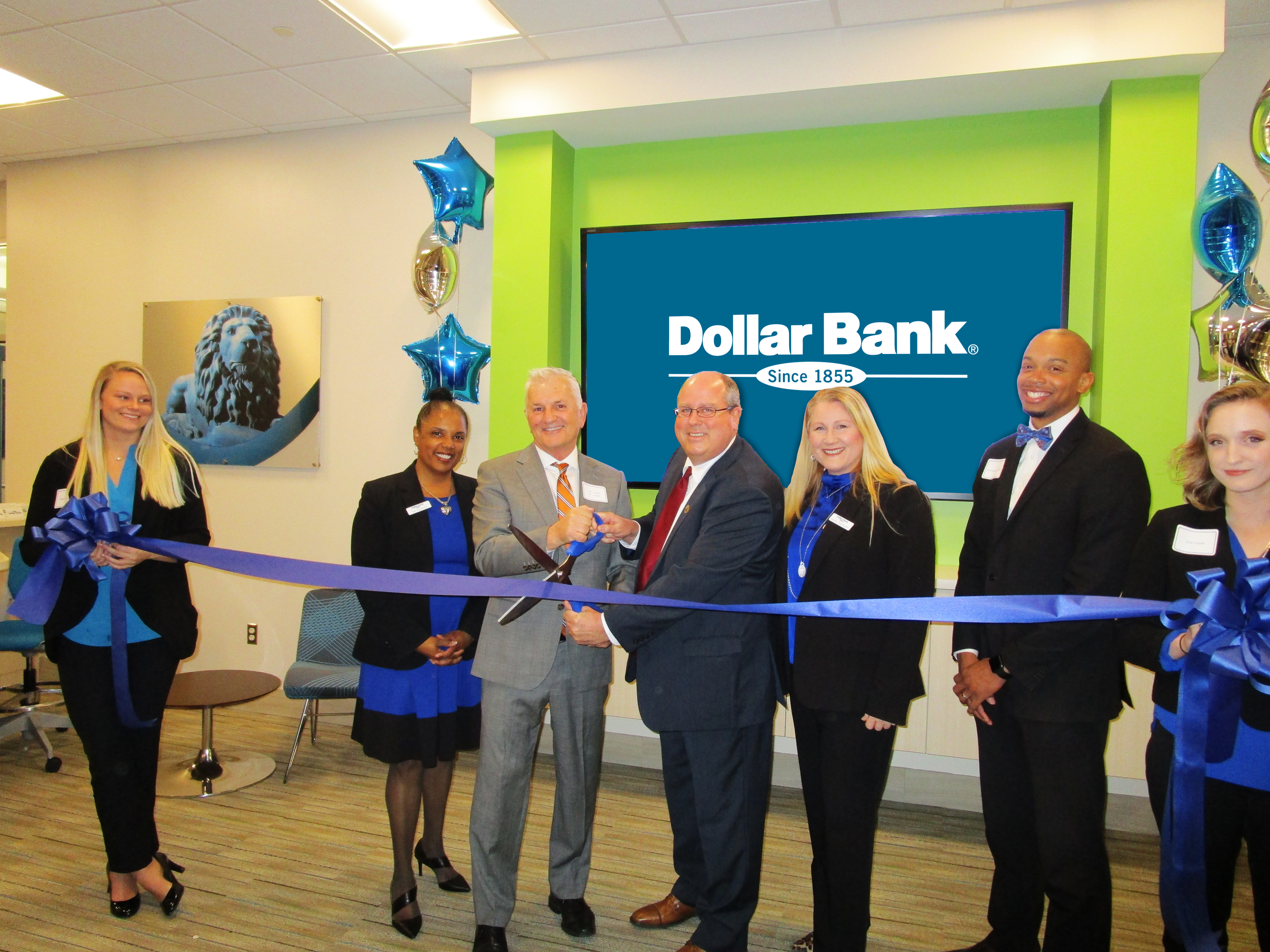 Dollar Bank Opens Volvo Office